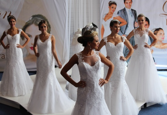 Vestido de noiva colecao 2015 Curitiba Expo Noivas do Brasil